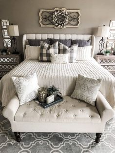 Are you looking for inspiration for farmhouse interior? Browse around this website for unique farmhouse interior pictures. This specific farmhouse interior ideas seems to be completely brilliant. Modern Farmhouse Bedroom, Farmhouse Interior, Modern Bedroom, Farmhouse Decor, Contemporary Bedroom, Master Bedrooms, Bedroom Classic, Farmhouse Furniture, Luxury Bedrooms