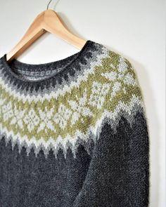 Ravelry: Engi pattern by Jennifer Steingass Fair Isle Knitting Patterns, Knitting Blogs, Sweater Knitting Patterns, Free Knitting, Free Crochet, Knit Crochet, Sock Knitting, Knitting Tutorials, Knitting Machine