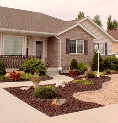 Front Yard Garden Design ✔ 22 simple but beautiful front yard landscaping ideas 00018 Cheap Landscaping Ideas For Front Yard, Landscaping With Rocks, Backyard Landscaping, Backyard Ideas, Country Landscaping, Fence Ideas, Backyard Patio, Front Yard Design, Lawn And Garden