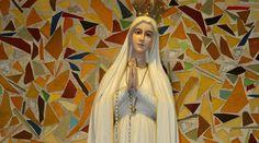 (Niezwykła) figura Matki Bożej Fatimskiej w Niepokalanowie – Radio Niepokalanów