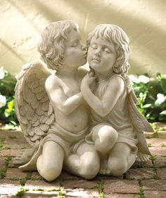cherubs | Feng Shui Love Products: Kissing Cherubs Garden Statue
