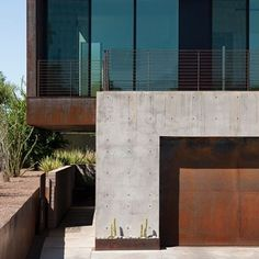 Nothing wrong with a little bit of rust. #rust #steel #concrete #architecture #modern #beautifull #love #want #instagood