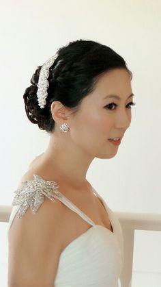 Japanese Bridal Makeup Asian Bridal Makeup, Hair Hacks, Hair Tips, Wedding Makeup, Bridal Hair, One Shoulder Wedding Dress, Wedding Hairstyles, Diamond Earrings, Hair Makeup