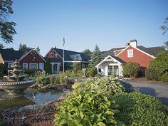 Coonamessett Inn Wedding on Cape Cod, Falmouth, Massachusetts - Sarah Murray Photography