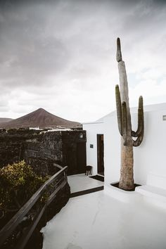 How to travel: One week in Lanzarote Tenerife, Volcano House, Ibiza, Grand Canaria, Madrid, Austria Travel, Mediterranean Homes, Island Design, Spain And Portugal