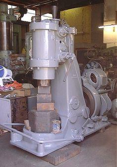 Pneumatic Power Hammer - Beche 220 lbs