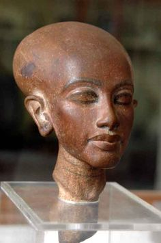 """Princess daughter of Akhenaton and Queen Nefertiti Amarna Period. (18th Dynasty) She looks a lot like her mom, the """"real"""" Queen Nefertiti."""