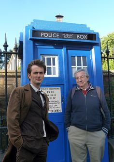 The original (?) Doctors's Who Tardis landed in London.