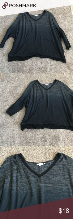 Simply Vera Wang Boxy Knit Sweater Tee Vera Wang Sweater tee from Kohls. Has been worn a few times but just isn't my style. I have mostly worn this to bed because it's not quite me. From the simply breathe collection and is really soft and flowy. In great condition and from a smoke free home. Simply Vera Vera Wang Tops Sweatshirts & Hoodies