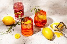 Testa en Sommarfestens bästa drinkar och upptäck hundratals andra inspirerande drinkar och recept på Drinkgeneratorn.se.