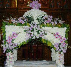 Unique Flower Arrangements, Unique Flowers, Flower Decorations, Table Decorations, Orthodox Easter, Church Flowers, Jesus Christ, Christianity, Floral Wreath