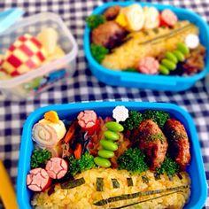 今日の年中・息子のお弁当です(❁´◡`❁) 雑なドクターイエロー。   ・ハンバーグ ・切り干し大根味噌バター炒め ・ひじき煮 ・ハム、チーズ、卵のクルクル ・赤ウインナー ・ブロッコリー、枝豆 ・リンゴ - 153件のもぐもぐ - 息子のお弁当★ドクターイエロー by どんママ