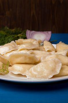 Wareniki: recipe for dumplings with potato filling - Rezepte Easy Smoothie Recipes, Easy Smoothies, Good Healthy Recipes, Healthy Snacks, Snack Recipes, Avocado Dessert, Dumpling Filling, Dumpling Recipe, Avocado Toast