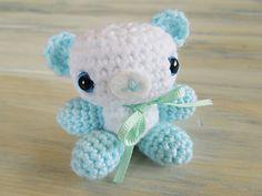 "Amigurumi baby shower bears...2"" by 2""...free pattern!!"