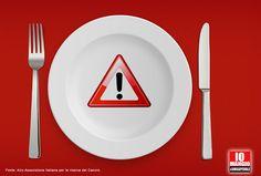 """""""L'assunzione alimentare prolungata di grandi quantità di #nitriti è associata con un aumento del rischio di sviluppo del #cancro allo stomaco e del cancro all'esofago"""" Airc. Andrebbero quindi evitati o fortemente ridotti i cibi contenenti: - nitrito di potassio (E249),  - nitrito di sodio (E250)  - nitrato di potassio (E252),  Questi additivi sono presenti soprattutto nella carne in scatola, negli insaccati e nelle carni lavorate. #etichettealimentari #leggereleetichette #additivi"""