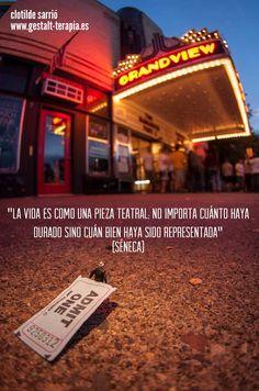 La vida es como una pieza teatral...