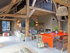Talo Pariisissa - A Loft in Paris Kuvat: Andreas Meichsner New York Times via Koti Pariisissa - A Hom. Country Modern Home, Country Interior, Country Decor, Country Style, French Country, Converted Barn, Farmhouse Remodel, My Dream Home, Interior Architecture