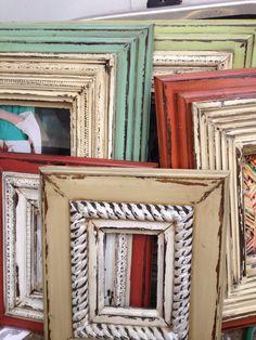 Handmade Home Decor Picture Frame Crafts, Painted Picture Frames, Wooden Picture Frames, Distressed Picture Frames, Colorful Picture Frames, Shabby Chic Furniture, Painted Furniture, Old Frames, Diy Frame