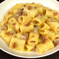 """This is """"Mezze maniche con crema di patata e salsiccia"""" by Al.ta Cucina on Vimeo, the home for high quality videos and the people who love them. Pasta Recipes, Gourmet Recipes, Cooking Recipes, Healthy Recipes, Healthy Gourmet, Gourmet Foods, I Love Food, Pasta Dishes, I Foods"""