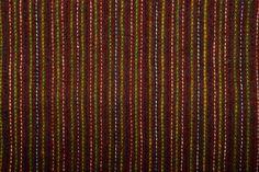 Ventspils meitai mugurā ir tunikveida piegriezuma krekls ar stāvapkakli Tas aizdarīts ar aukliņām un saktiņu, kas rotāta ar sarkaniem stikliņiem Mugurā velk ņieburbrunci (sastāv no brunču daļas un piešūtas lenču daļas), kas šūts no brūna, šķērssvītrota vilnas auduma Ap vidu liek jostu – metāla bronzas vai misiņa sleņģeni Virs ņieburbrunča velk tumši zilu vilnas auduma jaku, kas aizdarīta ar metāla āķiem Virsū sedz divas villaines – apakšā tum&s...