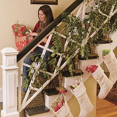 Christmas Staircase Decorations | Christmas Staircase Decorations - Modern Home Interior