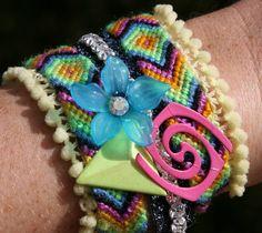 Diy Bracelets How To Make, Homemade Bracelets, Diy Fashion, Fashion Jewelry, Paracord Bracelets, Vintage Rhinestone, Bracelet Making, Friendship Bracelets, Jewelery