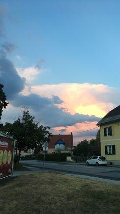 Naja Sonne mit Wolken halt.