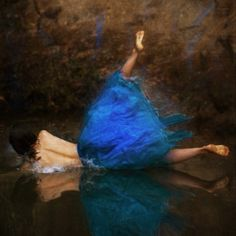 Surrealism and Visionary art: Brooke Shaden Reflection Photography, Art Photography, Example Of Reflection, Foto Art, Visionary Art, First Photo, Shades Of Blue, Street Art, Gallery