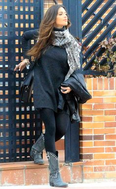 He rarely wears dress, but Sara wears them. With flat boots – Outfit Inspiration & Ideas for All Occasions Urban Fashion, Love Fashion, Girl Fashion, Winter Fashion, Boho Outfits, Fall Outfits, Casual Outfits, Fashion Outfits, Fashionable Outfits