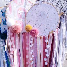 Takie słodziaki skąpane w promieniach słońca 🌞 Dobrego poniedziałku Kochani 🙌🤗 #mintystar #mintystarwork #lapaczsnow #łapaczsnów… Dream Catcher, Instagram, Dreamcatchers, Dream Catchers