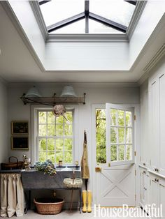House Tour:  Jeanette Whitson love this mud room entry.....and this soapstone old sink