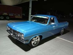 Holden - fine picture Australian Muscle Cars, Aussie Muscle Cars, Big Rig Trucks, Lifted Trucks, Holden Muscle Cars, General Motors Cars, Holden Australia, Big Girl Toys, Custom Muscle Cars