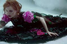 Jessica Chastain Deslumbra como a Rainha da Noite na Allure Ucrânia dezembro 2016  Fragmentos de Moda