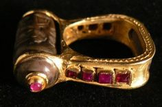 RING WITH SEAL FROM MESOPOTAMIA AND RUBIES