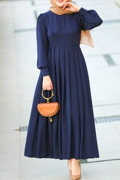 A sister dress of Bulut Modest dress but in a dark blue color. Pleated skirt, high waist detail, Wish Modest Dress Pakistani Fashion Casual, Abaya Fashion, Fashion Dresses, Muslim Fashion, Modest Winter Outfits, Simple Outfits, Trendy Dresses, Simple Dresses, Dresses With Sleeves