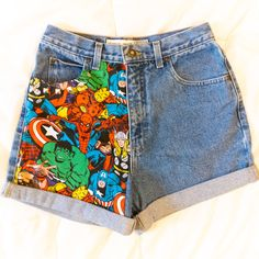 One-Sided Studded Highwaisted Marvel Comic Shorts Teen Fashion Outfits, Retro Outfits, Cute Casual Outfits, Painted Jeans, Painted Clothes, Custom Clothes, Diy Clothes, Cute Disney Outfits, Disney Shorts