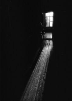 Utterly alone         ^        <            > Александр Савельев (Alexander Saveliev)/ Male/ Russia