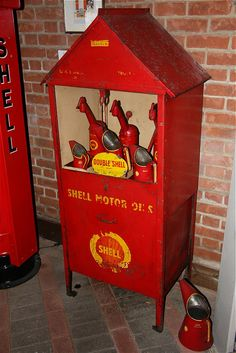 Nice Shell oil cabinet