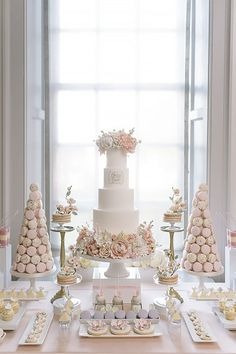 We have gathered 24 beautiful wedding dessert table ideas to inspire you. From Boho Chic and Vintage to Modern wedding themes, we promise to have something to catch a brides eye. 42 From Vintage To Modern Wedding Dessert Table Ideas - Dessert Bar Wedding, Wedding Sweets, Wedding Table, Wedding Breakfast, Trendy Wedding, Fall Wedding, Our Wedding, Dream Wedding, Garden Wedding