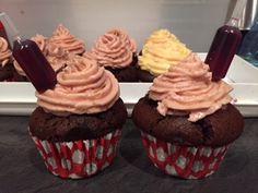 Caroline Makes....: Chocolate and Merlot Red Wine Cupcakes - Wilton Shot Tops Kit