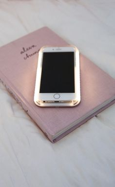 light up selfie lighting iphone cover in rose gold