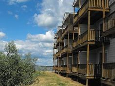 Chincoteague Island (VA) Waterside Inn Chincoteague Island United States, North America Waterside Inn Chincoteague Island is perfectly located for both business and leisure guests in Chincoteague Island (VA). Featuring a complete list of amenities, guests will find their stay at the property a comfortable one. Free Wi-Fi in all rooms, Wi-Fi in public areas, car park are there for guest's enjoyment. Guestrooms are fitted with all the amenities you need for a good night's sleep....