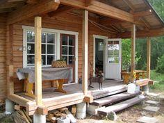 Kesämökkimme on pieni, vuonna 1990 rakennettu saunamökki, jossa on saunan lisäksi tupa ja kuisti - ja aivan liian vähän sisätilaa. Green Colour Palette, Green Colors, Rustic Houses Exterior, Pergola, Cottage, Outdoor Structures, Cabin, Outdoor Decor, 1990