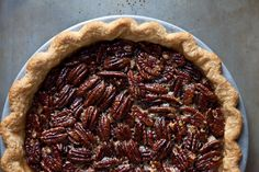 I wish I knew how to make pie - Spiced Maple Pecan Pie with Anise...I might need to try this for Thanksgiving!