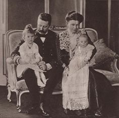 Archduke Franz Ferdinand & family  1902, Prince Maximilian of Hohenberg was born. Here an image of the growing family.