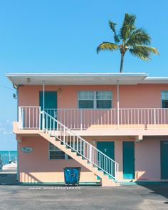 Hotel, Motel, Or Inn? Many options exist when booking travel accommodations, from shady motels to five star hotels on the strip. Miami Art Deco, Eleven Paris, Aesthetic Pictures, Color Street, Street Style, Architecture, Beautiful Places, Exterior, House Styles
