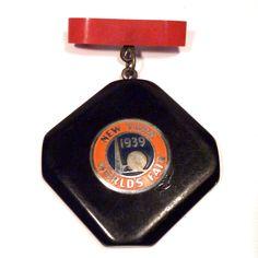 1939 New York's World Fair Bakelite Brooch