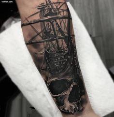 coole tattoos für männer, 3d-tätowierung am unterarm, piratenschiff mit schädel