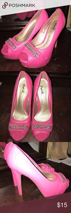 Hot pink heels These heels have only been worn twice ever. Shoes Heels