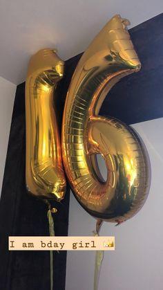 Cute Birthday Pictures, Birthday Photos, Creative Instagram Stories, Instagram Story Ideas, Tumblr Photography, Girl Photography Poses, 16th Birthday, Happy Birthday Me, Hight Light